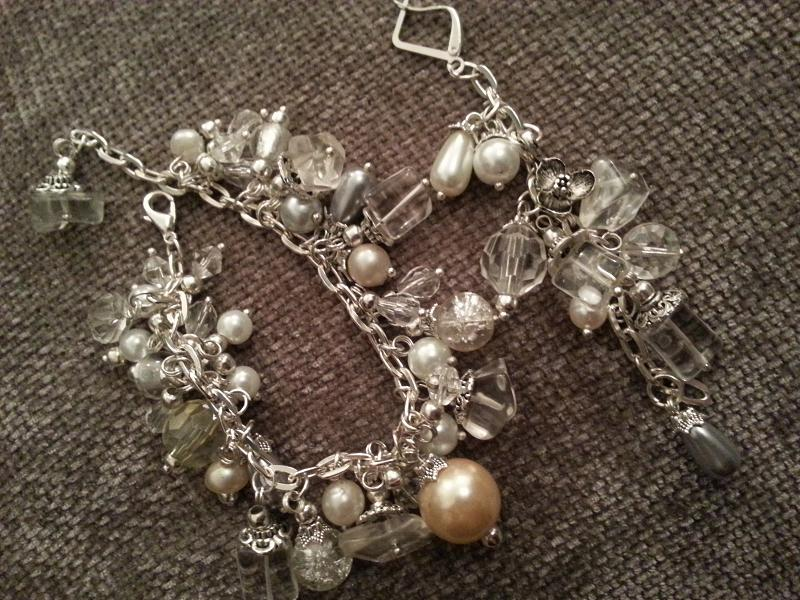 Bratara si cercei din mix de pietre,cristale ,perle si accesorii metalice